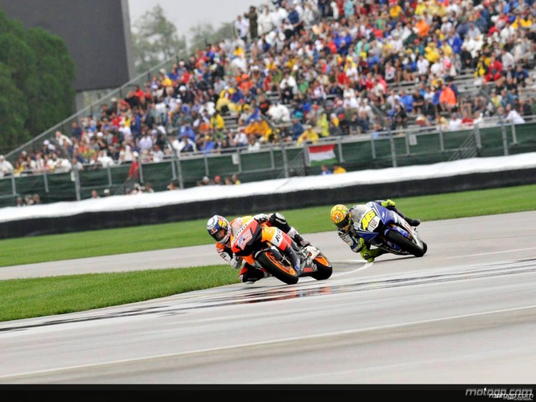 Valentino Rossi chasing Nicky Hayden at Indianapolis