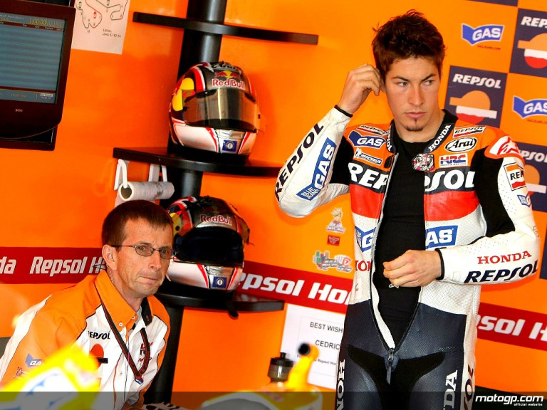Nicky Hayden and Chief Mechanic Pete Benson in the Repsol Honda garage