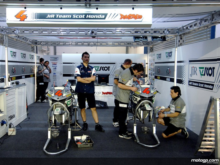 JiR Team Scot garage