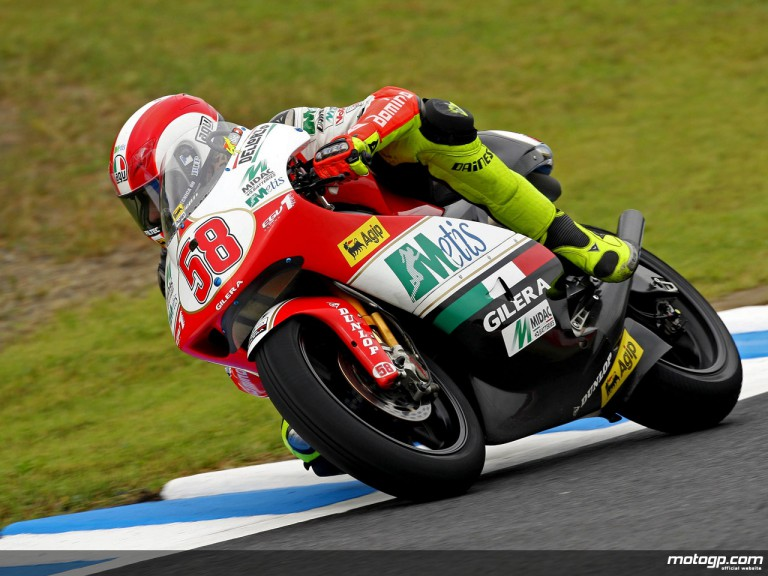 Marco Simoncelli in action in Motegi (250cc)