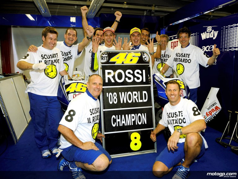 Rossi celebrates his 8th World title with the Fiat Yamaha team