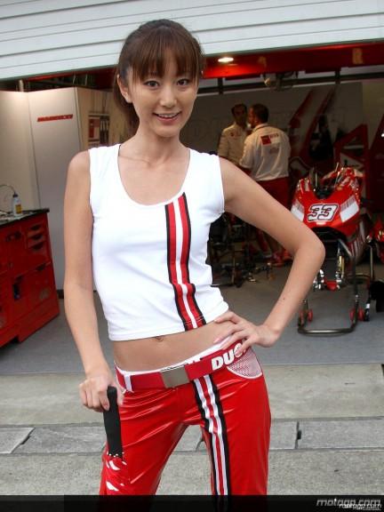 Paddock Girl - Motegi 2008 - 8