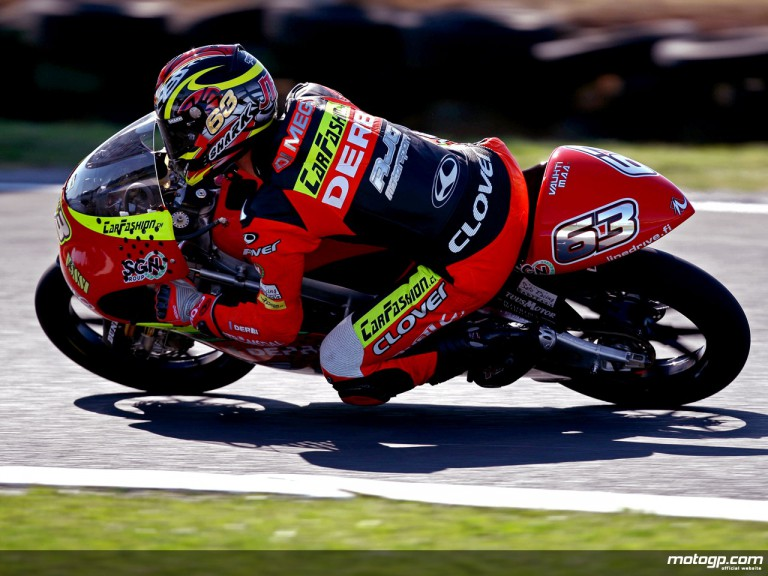 Mike di Meglio in action in Phillip Island (125cc)