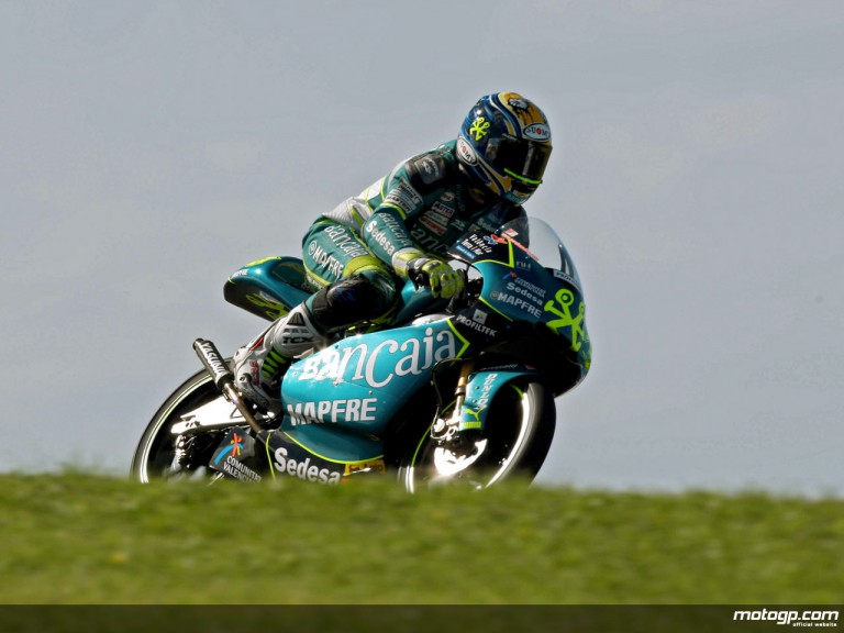 Sergio Gadea in action in Phillip Island (125cc)