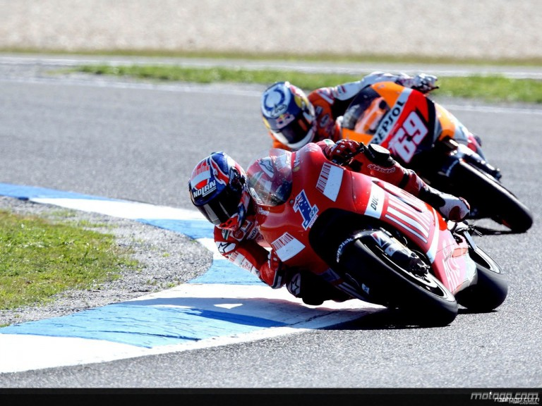Casey Stoner riding ahead of Nicky Hayden at Phillip Island