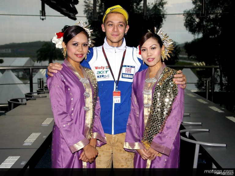 Valentino Rossi partakes in traditional Malaysian activities