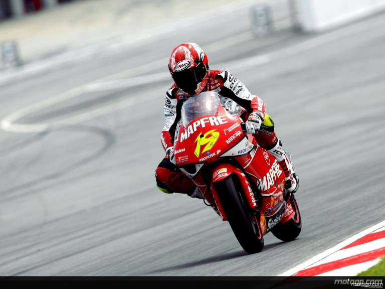Alvaro Bautista in action in Sepang (250cc)