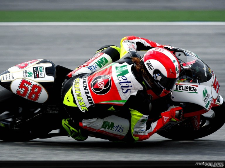 Marco Simoncelli in action in Sepang (250cc)