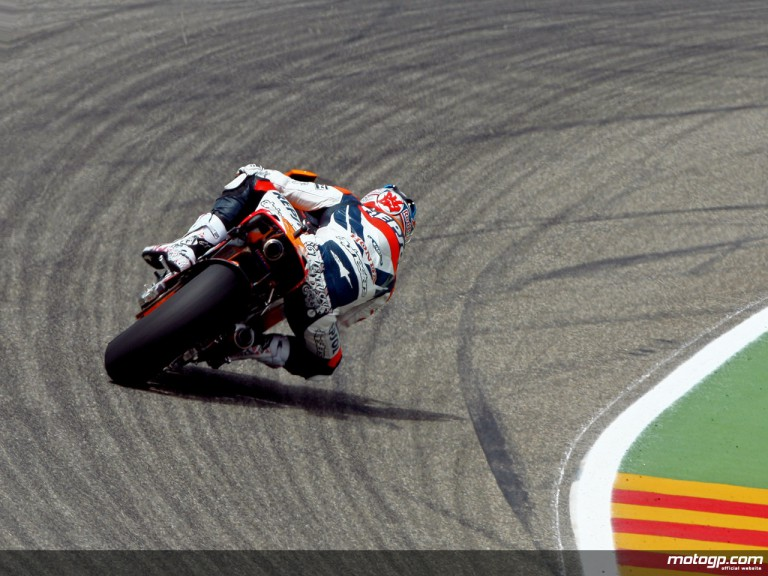 Nicky Hayden in action (MotoGP)