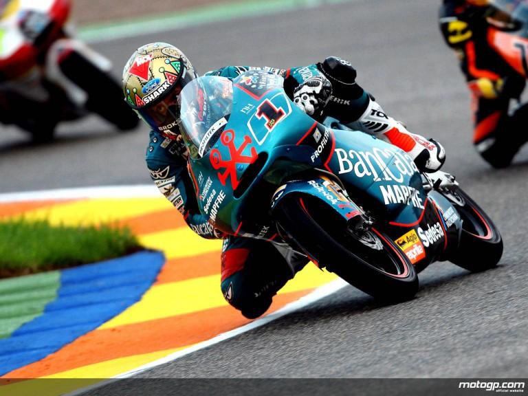 Gabor Talmacsi in action in Valencia (125cc)