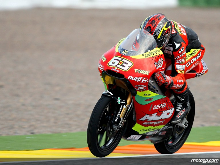 Mike di Meglio in action in Valencia (125cc)