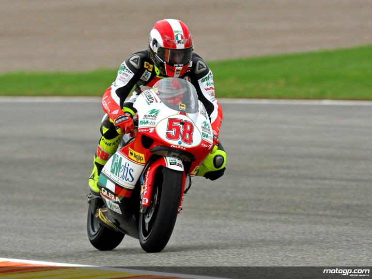 Marco Simoncelli in action in Valencia (250cc)