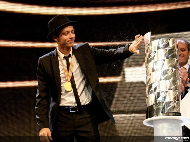 Valentino Rossi with 2008 World Championship trophy at FIM Awards