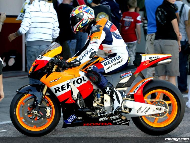 Dovizioso debuts under Repsol Honda colours in Valencia