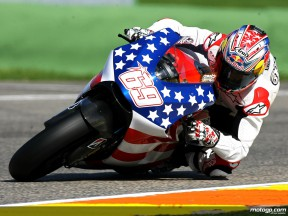 Hayden on track at Valencia for his first Ducati test