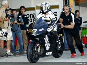 Sete Gibernau makes his MotoGP return with Onde 2000 Ducati