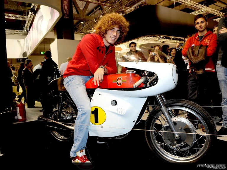 Simoncelli on a 1963 4-cylinder Gilera at the Eicma motorshow