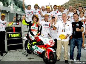 250cc World Champion Marco Simoncelli with Metis Gilera team