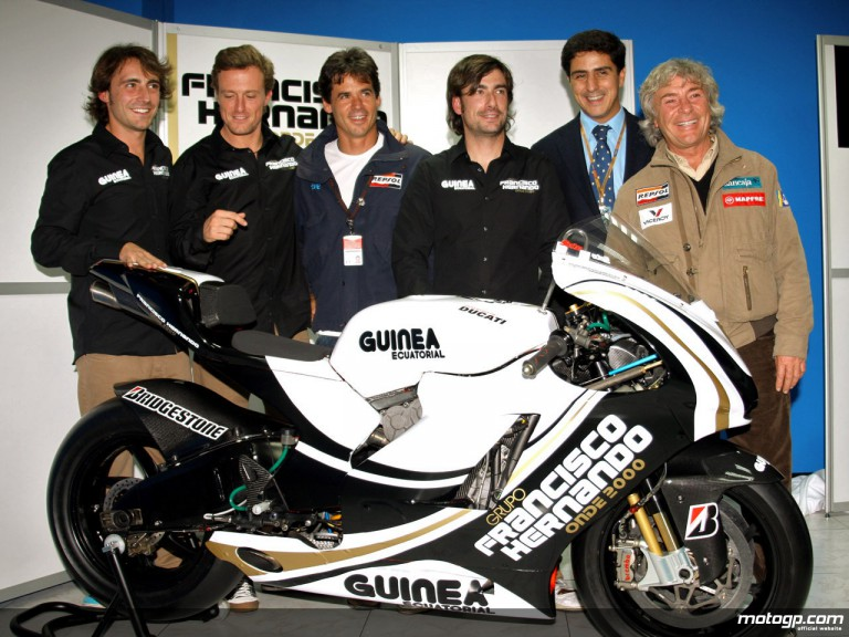 12+1 World Champion Angel Nieto at the Onde 2000 Team presentation