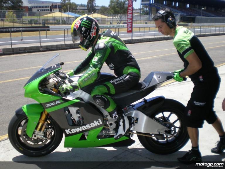 Olivier Jacque debuts the new 800cc ZX-RR Kawasaki