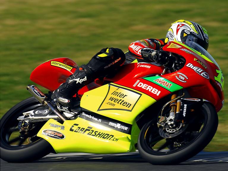 Sandro Cortese in action in Jerez Test (125cc)
