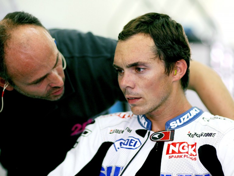 Rizla´s Chris Vermeulen in the garage