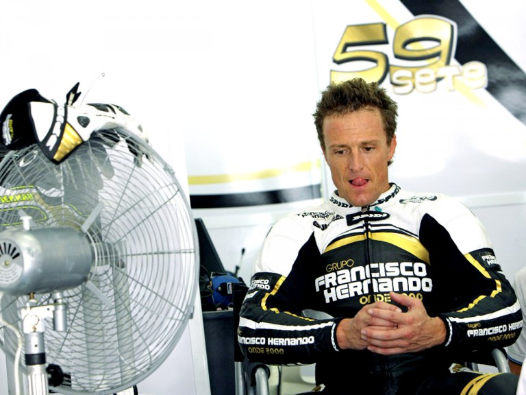Sete Gibernau in the Grupo Francisco Hernando garage