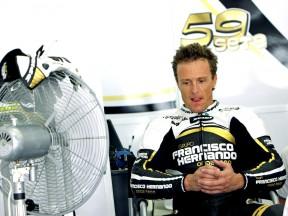 Sete Gibernau in the Grupo Francisco Hernando garage