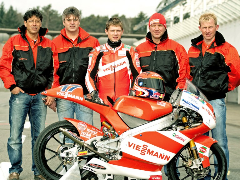 Stefan Bradl and his staff at the Hockenheim rollout