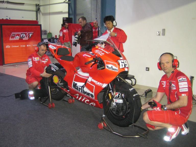 Ducati Marlboro testing new swing arm