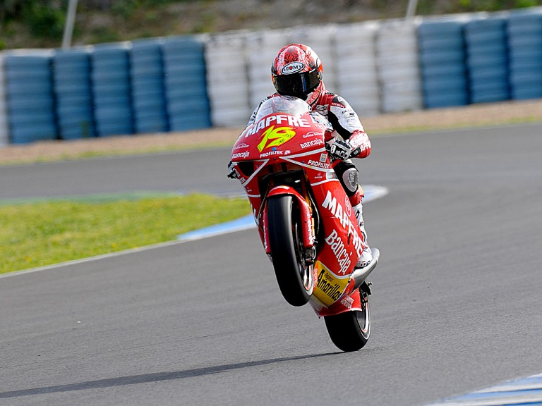 Álvaro Bautista pulling a wheelie at the Official Test in Jerez