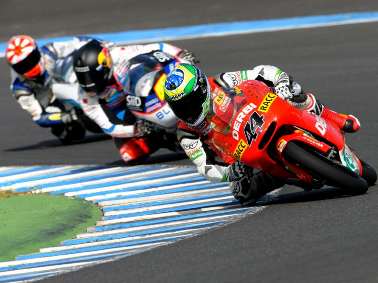 Pol Espargaró riding ahead of 125cc group at the Official MotoGP Test in Jerez