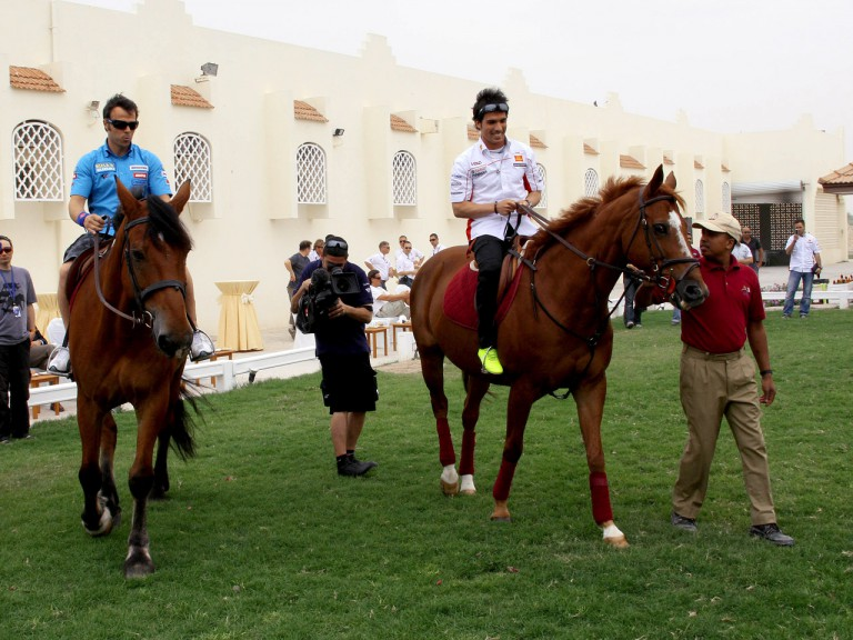 Loris Capirossi and Toni Elías with Arabian Horses in Qatar