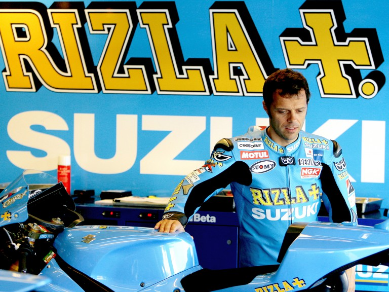 Loris Capirossi in the Rizla Suzuki garage