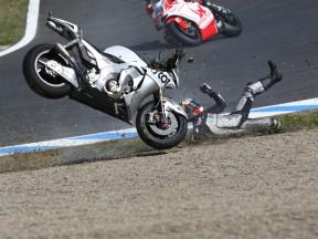 Hayden and Takahashi crash during MotoGP race in Motegi