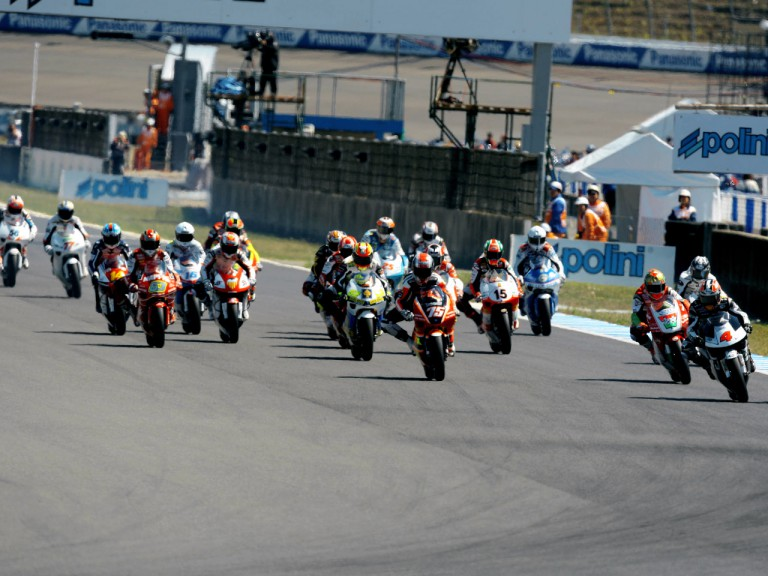 250cc Group in action in Motegi