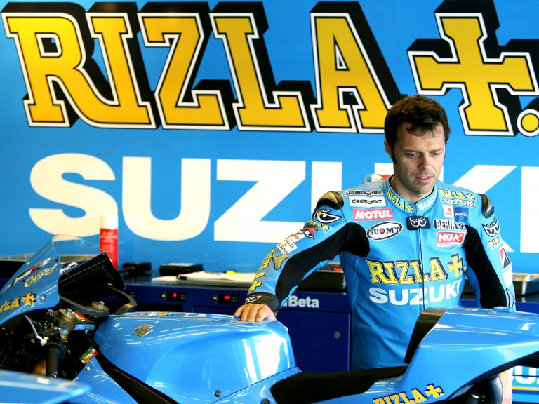 Loris Capirossi in the Rizla Suzuki garage