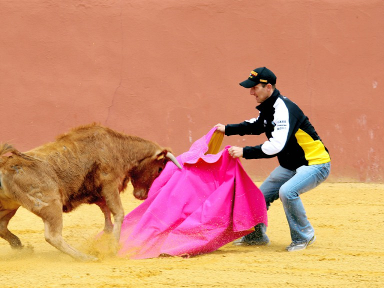 Colin Edwards learns bullfighting skills in Andalucía