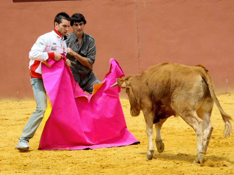Alex de Angelis learns bullfighting skills in Andalucía with Jesulín de Ubrique