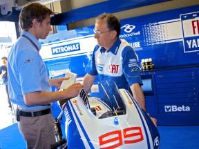 Lorenzo's Crew Chief Ramon Forcada presents the 2009 M1