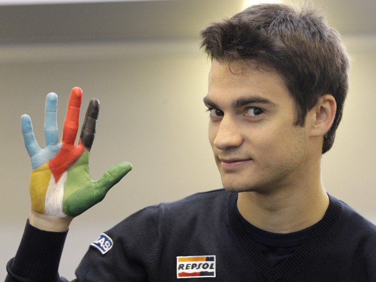 Dani Pedrosa lends a hand to Madrid Olympic bid