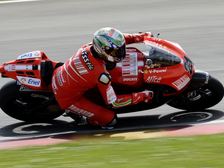 Troy Bayliss testing the Ducati Desmosedici GP9 at Mugello