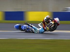 Alex Debon and Thomas Luthi crash during race in Le Mans