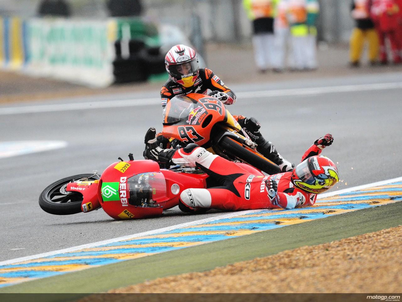 motogp.com · Marc Marquez and Joan Olivé crash during 125cc race in Le Mans