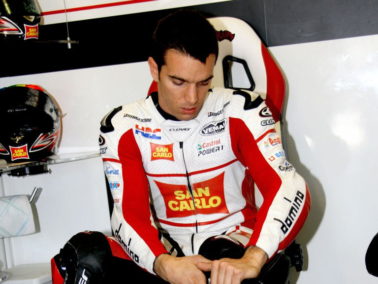 Alex de Angelis in the San Carlo Honda garage