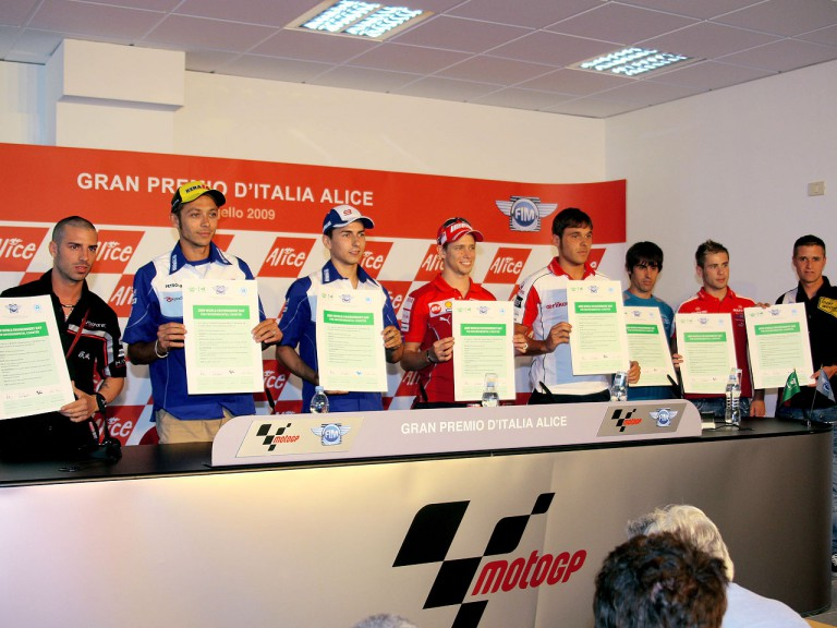 Riders sign FIM Environmental Charter