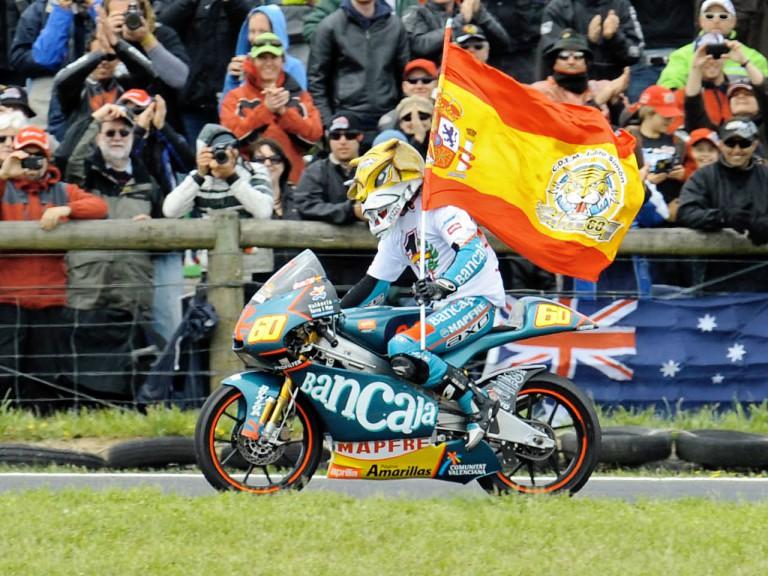 125cc World Champion Julián Simón celebrates victory at Phillip Island