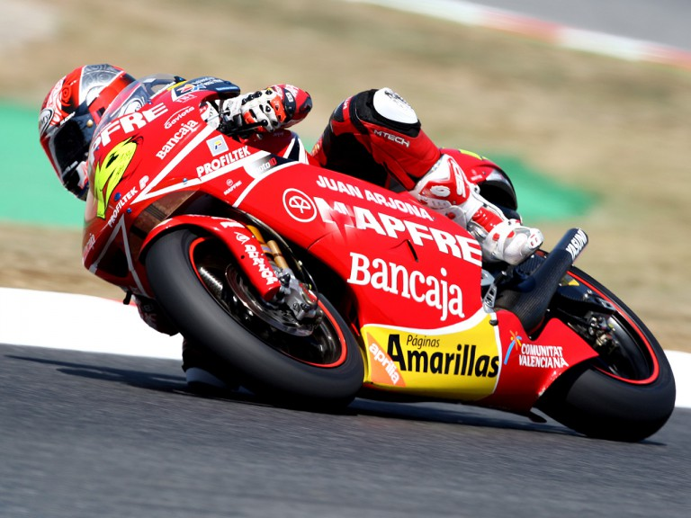Alvaro Bautista in action in Montmeló