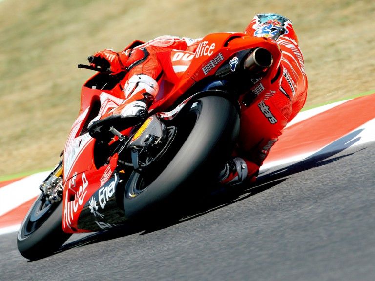 Casey Stoner in action in Montmeló