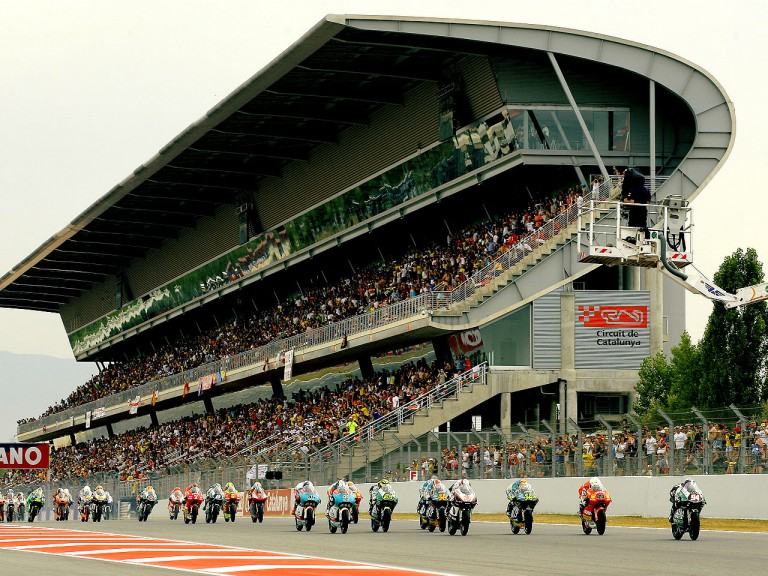 125cc Group in action in Montmeló